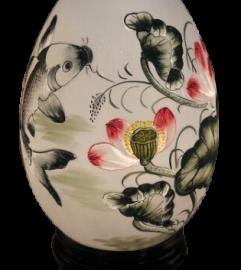 Đèn trứng khắc vừa